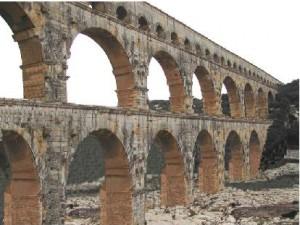 Le pont du Gard, sans le pont Pitot (montage conseil général du Gard)