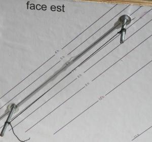 Cadran placé sur un mur, plein Est- Utilisable du soliel levant à midi solaire- (Collection C.L.)